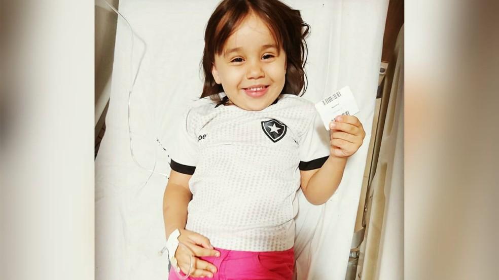 Anna Luíza tem Artrite Idiopática juvenil sistêmica — Foto: Arquivo pessoal