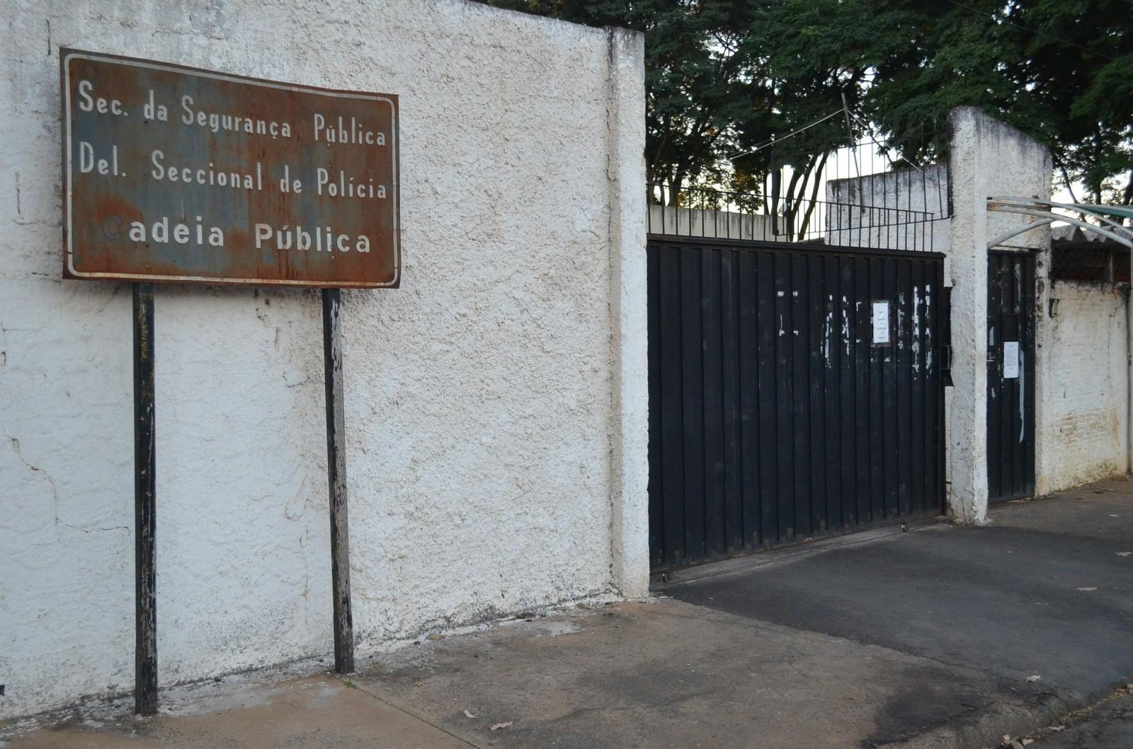 Homem finge ser colega de cela para se livrar da prisão em audiência de custódia em Franca, SP - Radio Evangelho Gospel