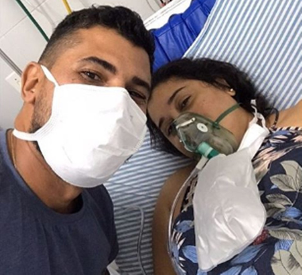 Danilo Barros, marido de Quézia Leite, chegou a tirar uma última foto com a esposa quando apresentou os primeiros sintomas de Covid-19 — Foto: Arquivo Pessoal/Danilo Barros
