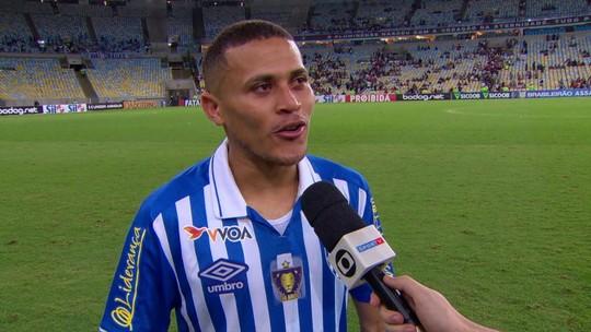 """Em seu primeiro jogo no Maracanã, João Paulo faz o gol da vitória e diz: """"Inesquecível"""""""