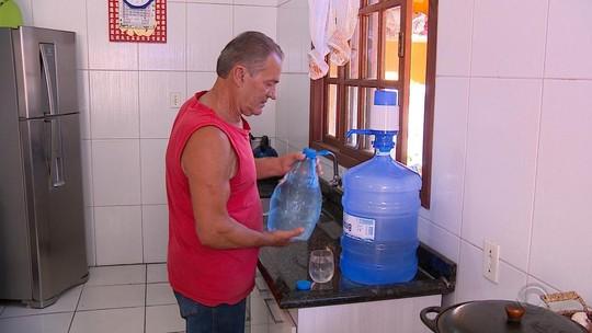 Moradores da Região Metropolitana de Porto Alegre também reclamam do cheiro e do gosto da água