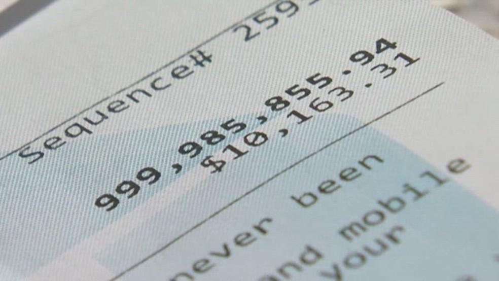 Mulher descobre quase US$ 1 bilhão em sua conta bancária nos EUA — Foto: Reprodução/NBC