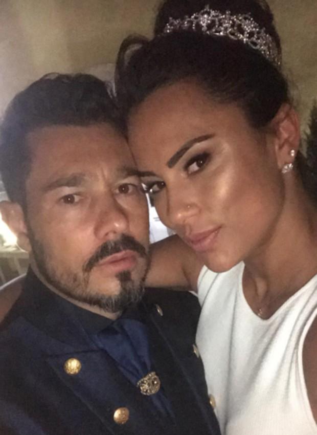 Kelly Medeiros e o noivo, Marco Antônio (Foto: Reprodução/Instagram)