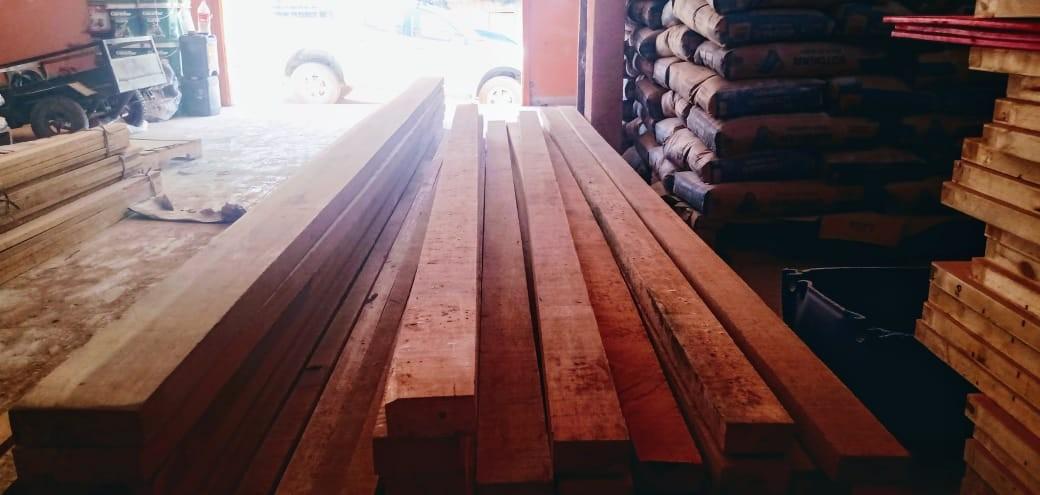 Empresa é autuada em quase R$ 2,7 mil por armazenar madeira sem devida licença