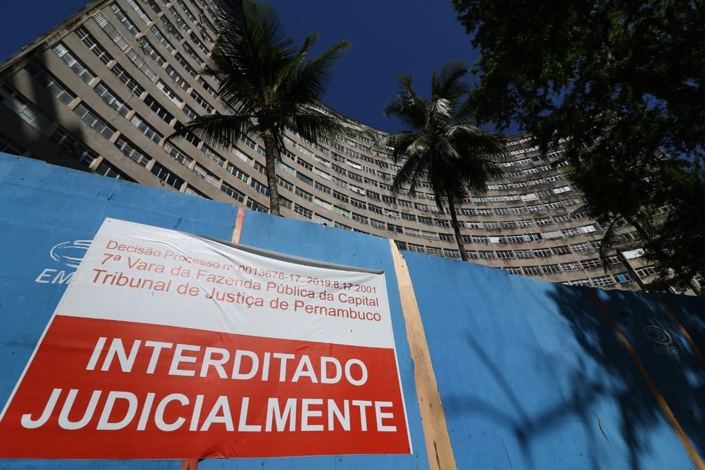 Edifício Holiday está interditado judicialmente desde março de 2018 — Foto: Marlon Costa/Pernambuco Press