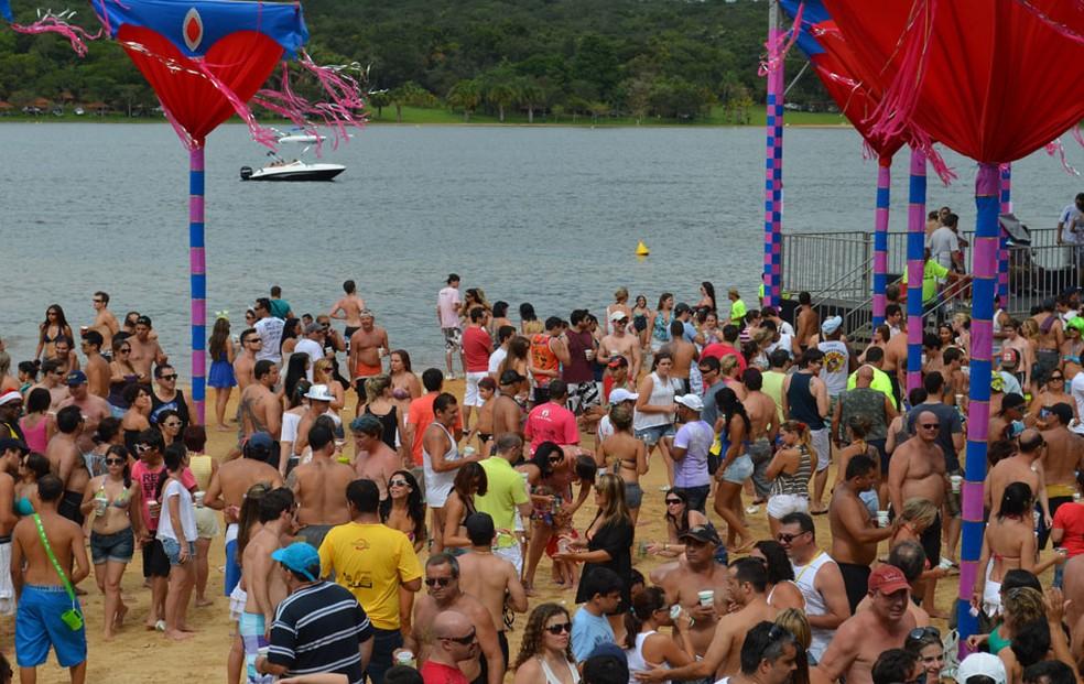 Clima de 'praia do interior' atrai foliões no carnaval de Araraquara, SP (Foto: Felipe Turioni/G1/Arquivo)