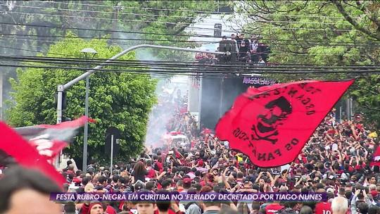 """Tiago Nunes decreta e torcida do Athlético-PR faz """"feriado"""" nas ruas de Curitiba na comemoração do título da Copa do Brasil"""