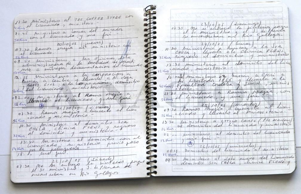 Foto de março de 2018 fornecida pelo jornal 'La Nación' mostra um dos cadernos de Oscar Centeno, ex-motorista ligado aos governos dos Kirchners na Argentina — Foto: La Nacion via AP