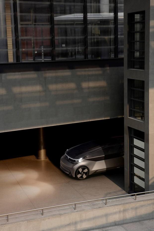 Carro elétrico e autônomo tem espaço para virar home office, quarto e até sala de estar (Foto: Divulgação)