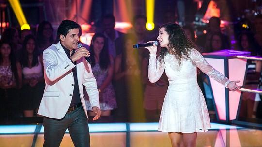 Del Feliz e Vanessa Macedo encantam internautas com medley de música brasileira