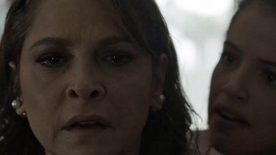 Penúltimo capítulo! Giovanna solta bomba para Carolina: 'Meu pai tem um caso com a tua filha'