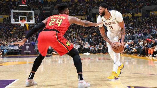 Duplo-duplo de LeBron James garante vitória dos Lakers sobre o Atlanta Hawks
