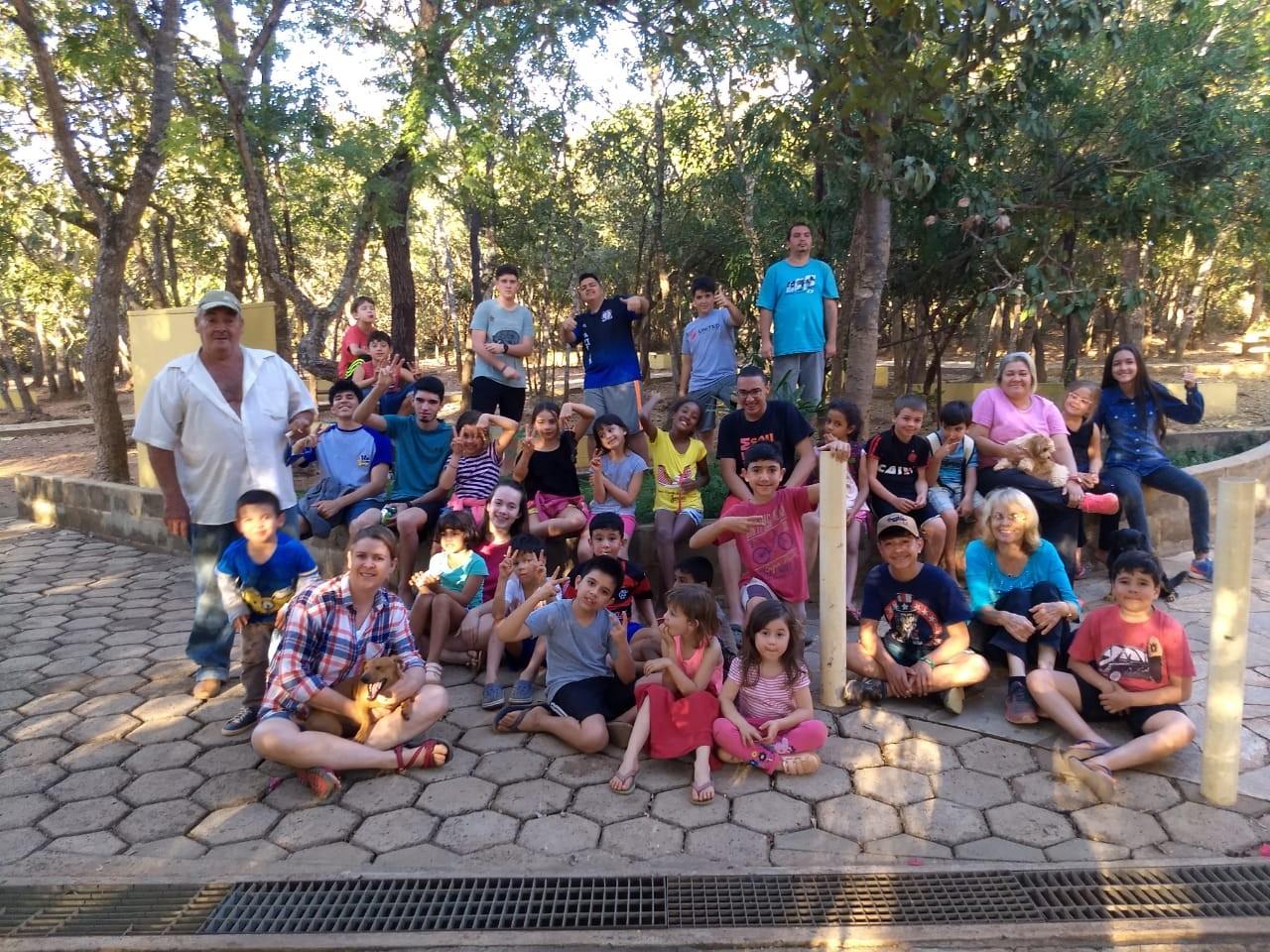 Espaço Aldeia e Acampamento Victória são alguns dos estabelecimentos que abriram espaço para as crianças durante as férias escolares (Foto: Divulgação)