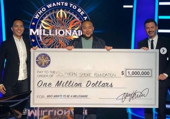 Chef David Chang é primeira celebridade a ganhar prêmio máximo em 'Quem quer ser um milionário'
