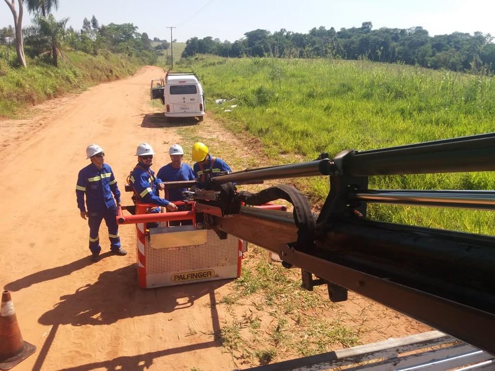 Incidente aconteceu em uma estada de terra próxima a Estação de Tratamento de Água em Bauru  — Foto: DAE Bauru/ Divulgação