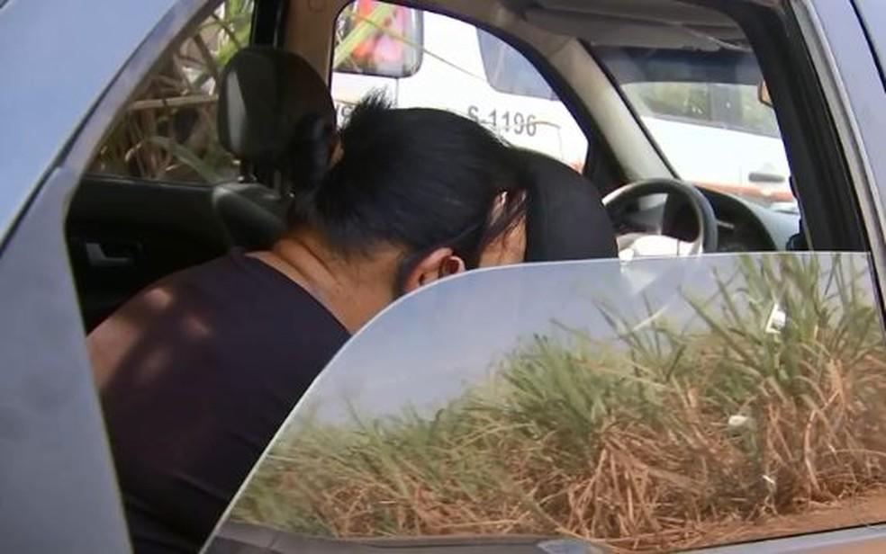 Mulher e sobrinha foram presas suspeitas de assaltarem idosos no interior de SP — Foto: Reprodução/TV TEM