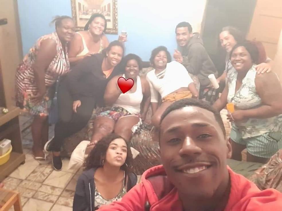 Luziet foi recebida com festa pela família ao voltar para casa, na Zona Norte do Rio — Foto: Luziet de Oliveira/ Arquivo pessoal