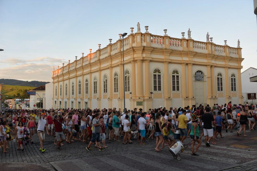 Carnaval de Amparo acontece até o dia 28 deste mês (Foto: Moisés de Camargo)