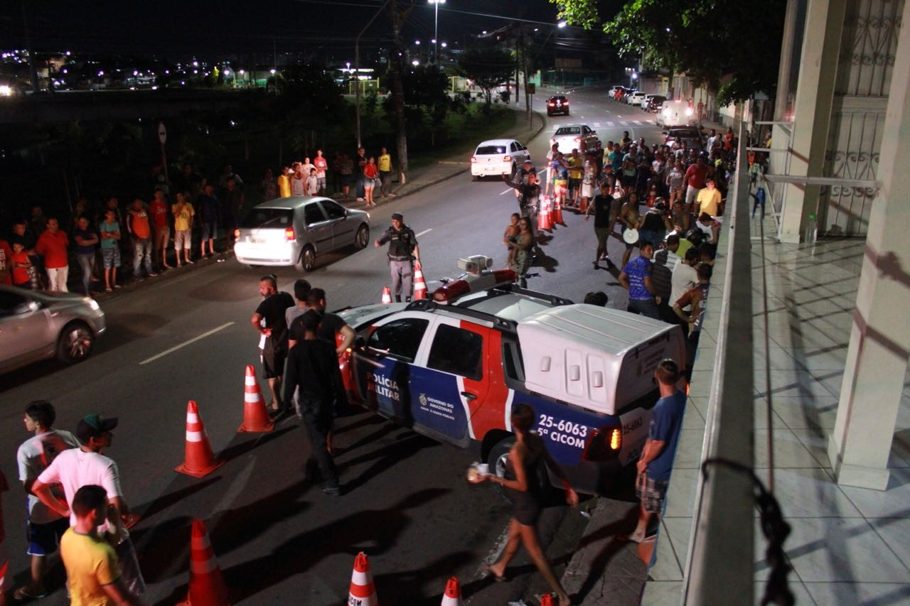 Homem é morto a tiros em banca de churrasco na Zona Oeste de Manaus
