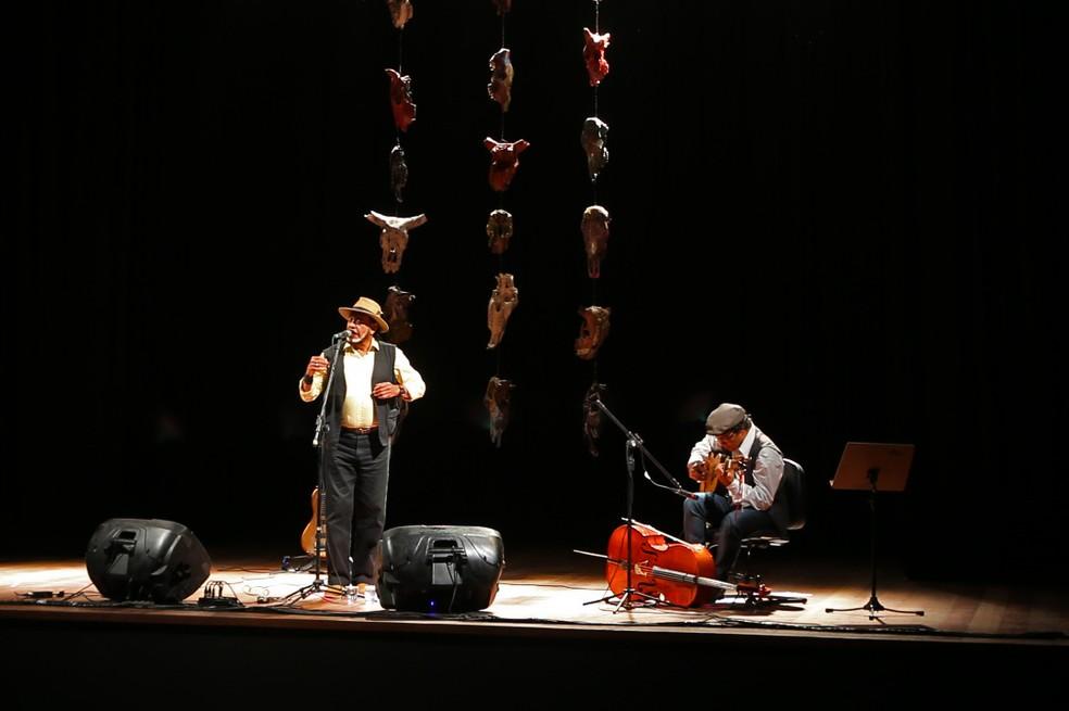 Cantor Xangai se apresentou na reinauguração do Centro de Cultura de Vitória da Conquista (Foto: Paula Fróes/ GOVBA)