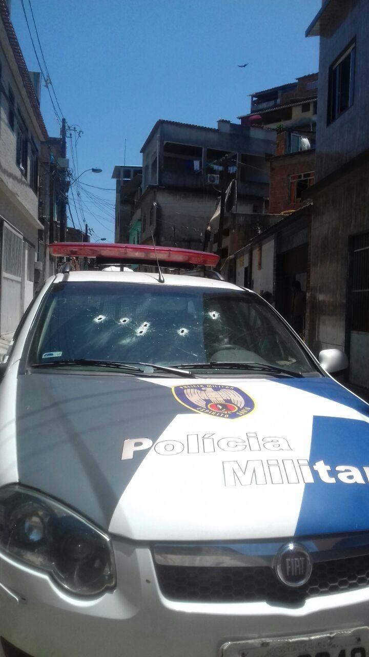 Policiais e criminosos trocam tiros no bairro Santa Rita, em Vila Velha