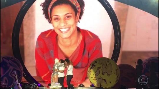Katy Perry homenageia Marielle e recebe filha e irmã da vereadora