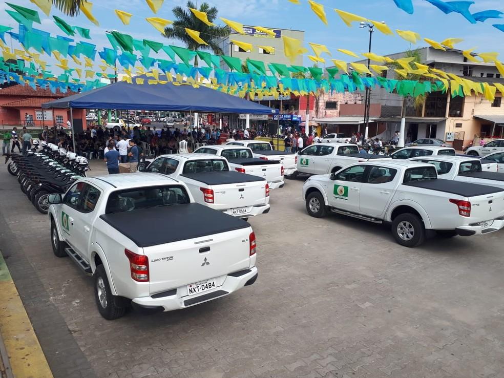 Veículos foram entregues em Cruzeiro do Sul para reforçar combate à malária  (Foto: Adelcimar Carvalho/G1)