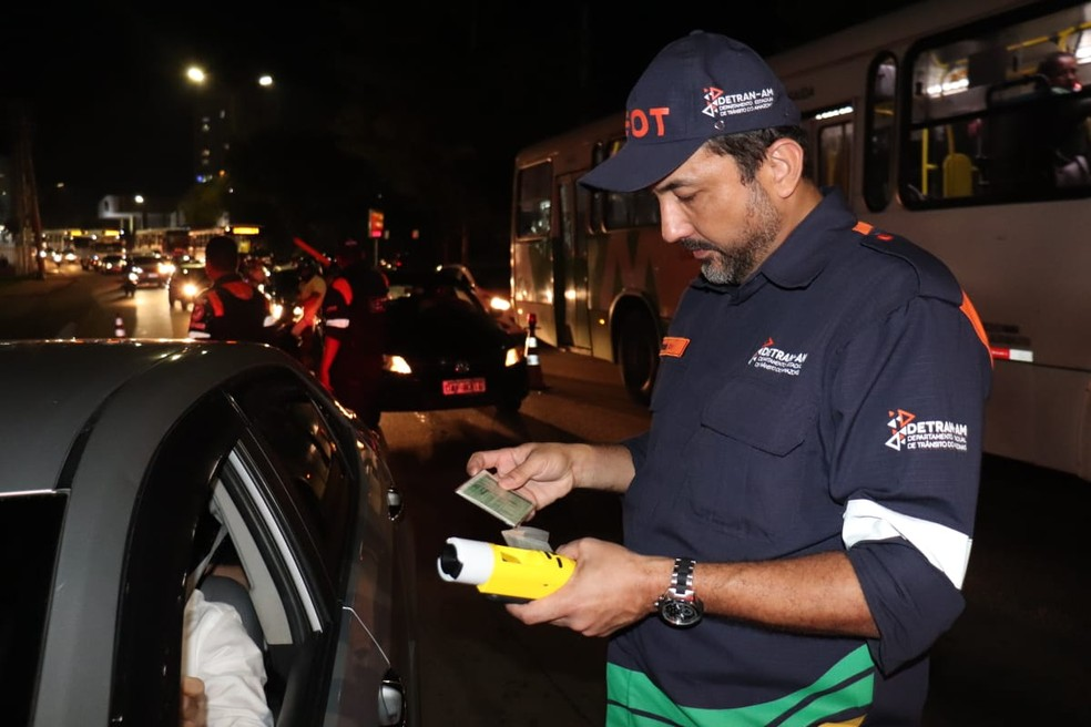 Fiscalização de festas de fim de ano em Manaus — Foto: Divulgação