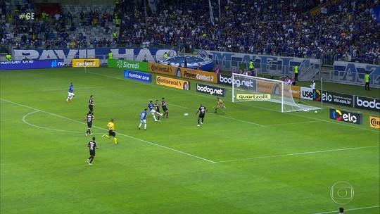 Cruzeiro empata com o Atlético-PR e se classifica para as quartas da Copa do Brasil