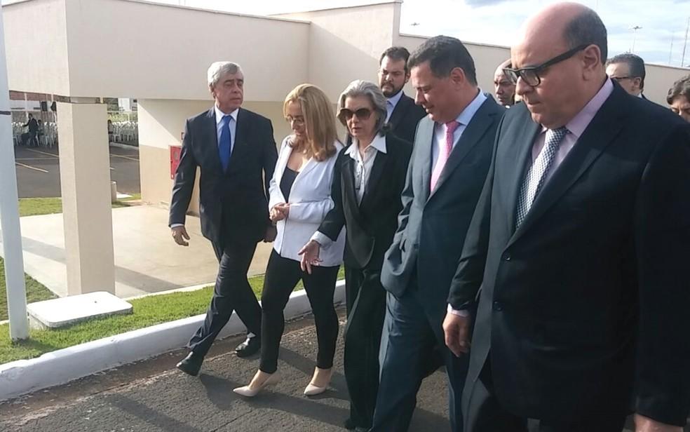 Ministra Cármen Lúcia visita novamente Goiás para participar da inauguração de presídio (Foto: Talia Santos/TV Anhanguera)
