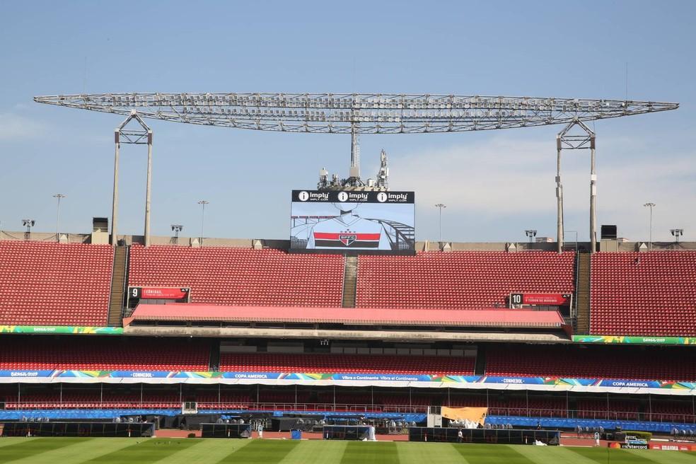 Novos telões do Morumbi foram instalados pelo São Paulo — Foto:  Igor Amorim/saopaulofc.net