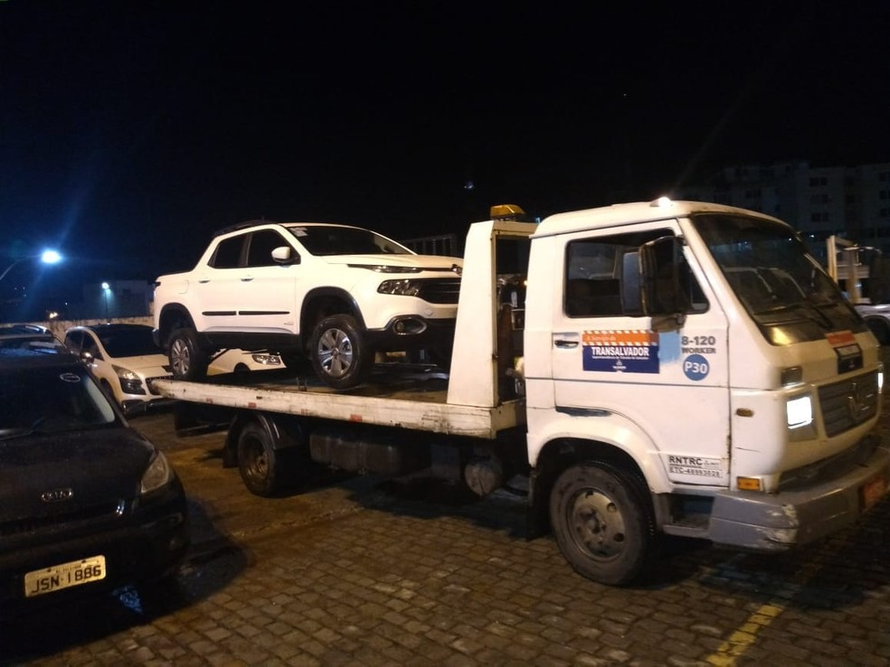 Nove motos e dois carros foram apreendidos (Foto: Divulgação/SSP-BA)