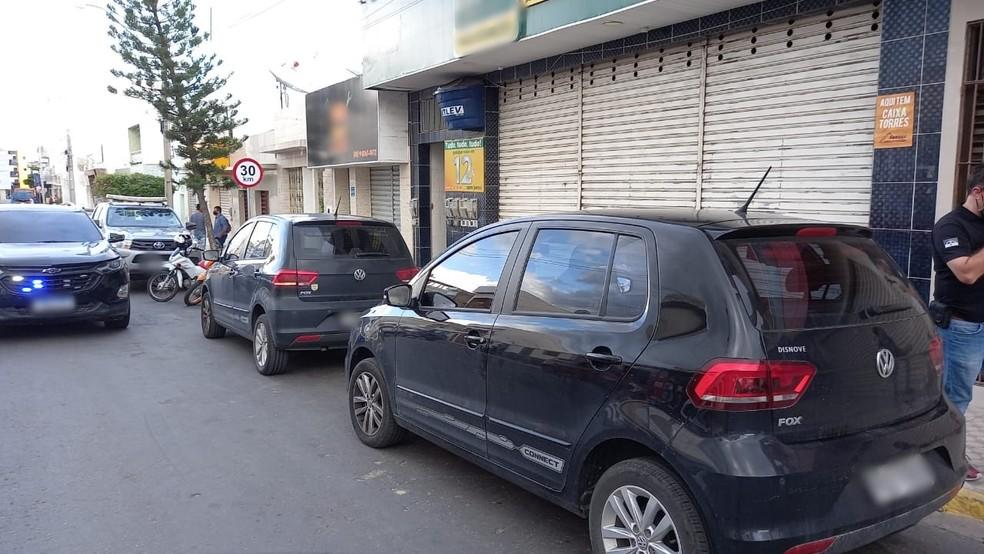 Delegado Anderson Liberato foi baleado em frente a este prédio na manhã deste sábado (17) — Foto: Franklin Portugal/TV Asa Branca