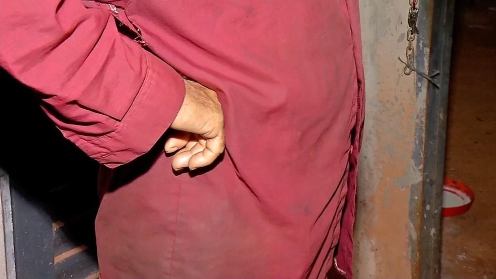 O idoso, de 73 anos, teve a casa invadida por assaltantes que chegaram dizendo que queriam comprar mandioca (Foto: TV Centro América)
