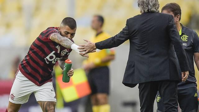 Gabigol e Jorge Jesus na vitória sobre o Palmeiras