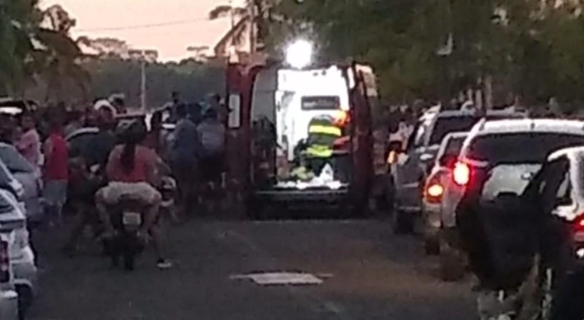 Policial rodoviário atropela casal na saída da prainha de Pereira Barreto - G1