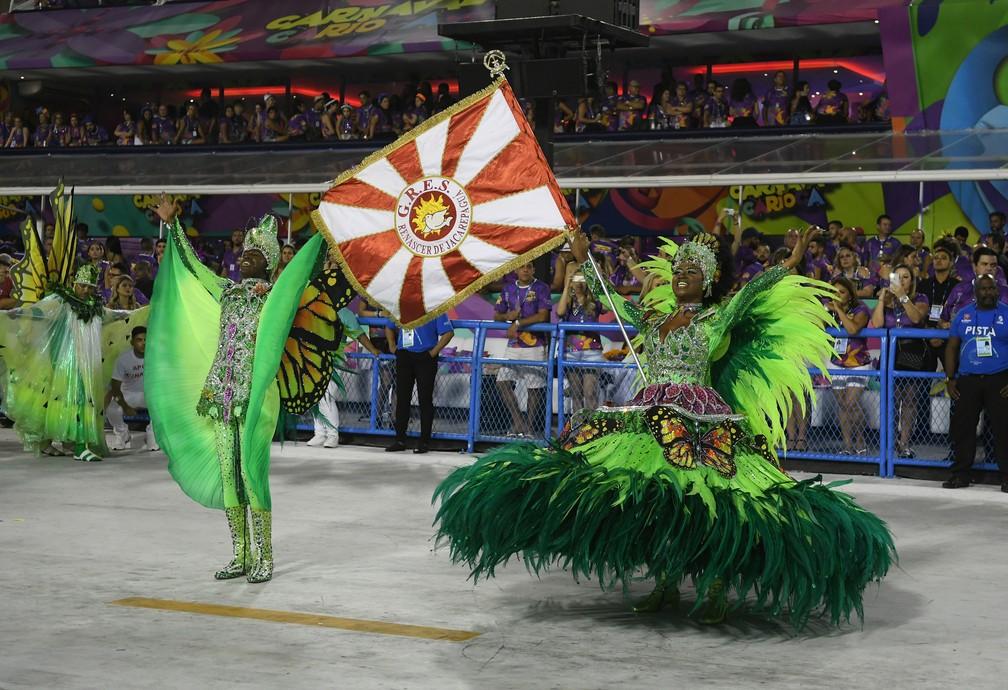Meste-sala e porta-bandeira da Renascer de Jacarepaguá (Foto: Alexandre Durão/G1)