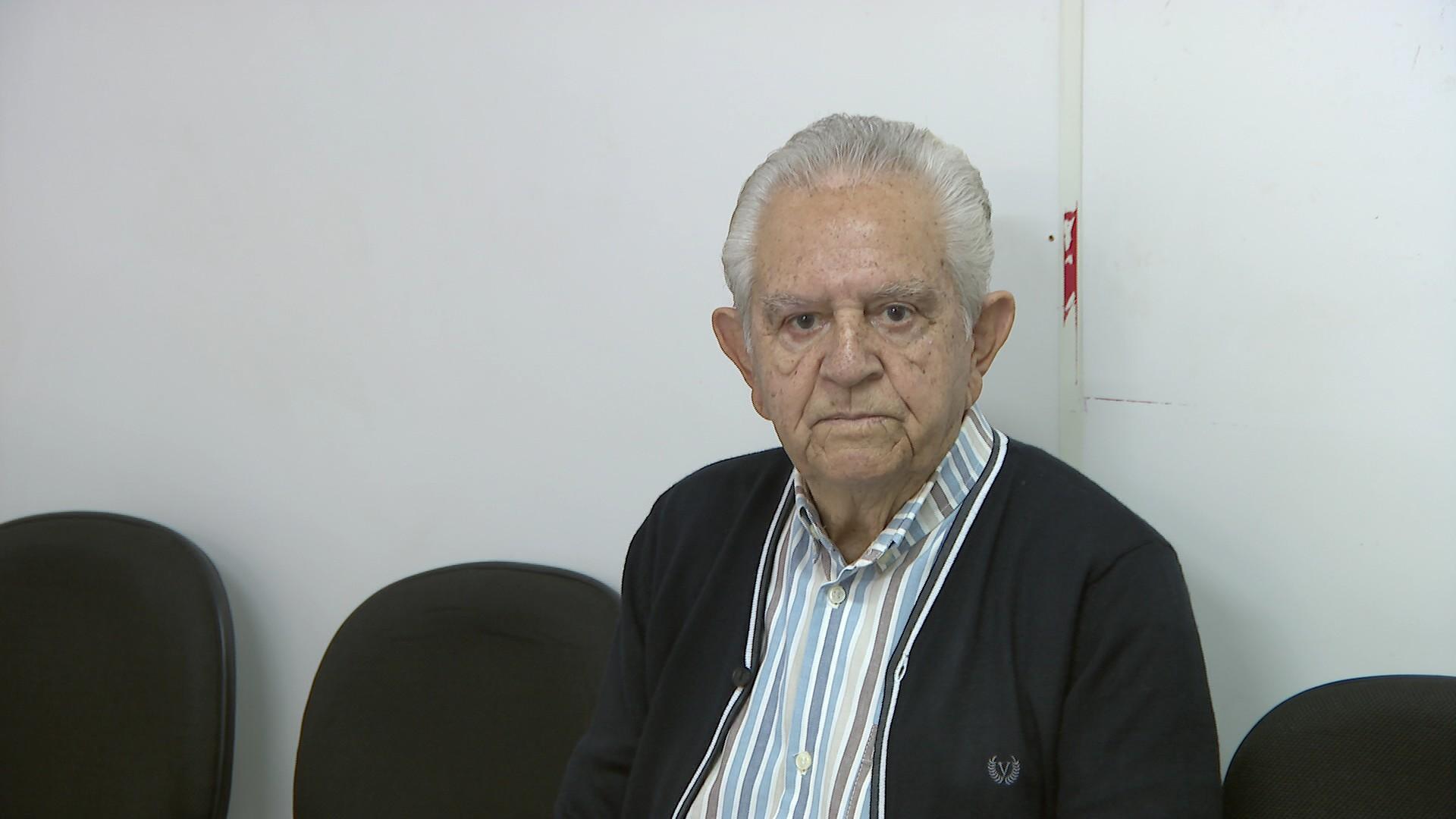 Defesa do prefeito de Divinópolis é entregue à comissão que apura denúncia político-administrativa na Câmara - Notícias - Plantão Diário