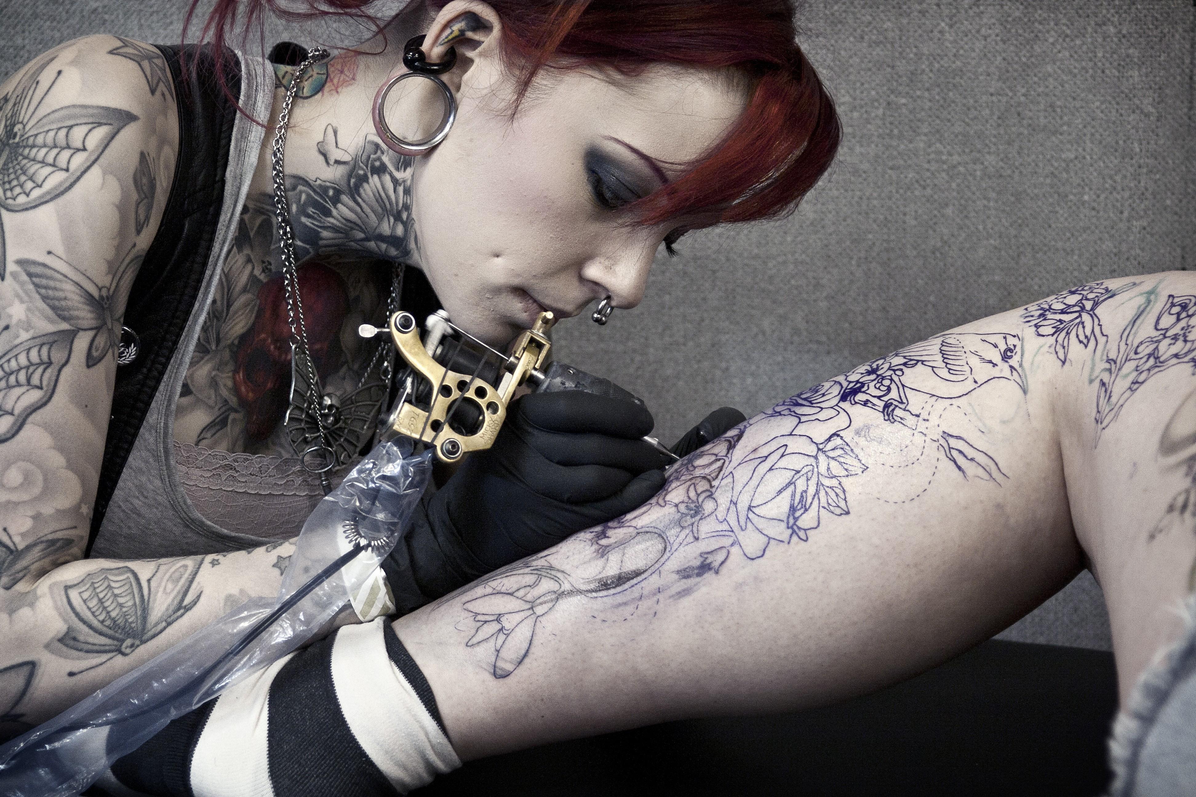Como Escolher Tatuagem Homem guia da tatuagem: onde dói mais e por quê? - revista galileu