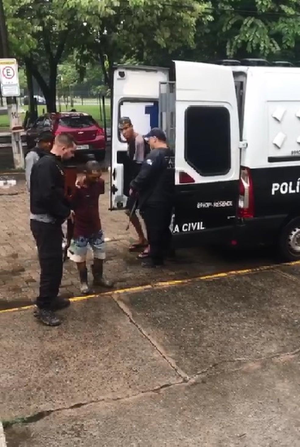 Grupo é preso durante ação policial em Resende — Foto: Reprodução