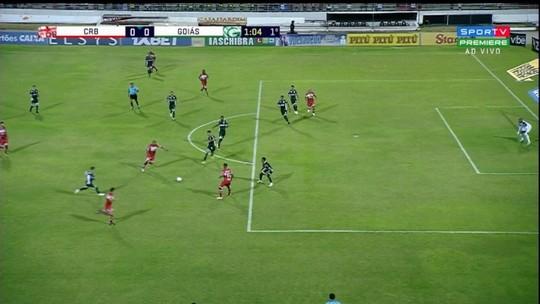 Nem camisa 10, nem camisa 9: CRB entra com ataque repaginado para vencer o Goiás