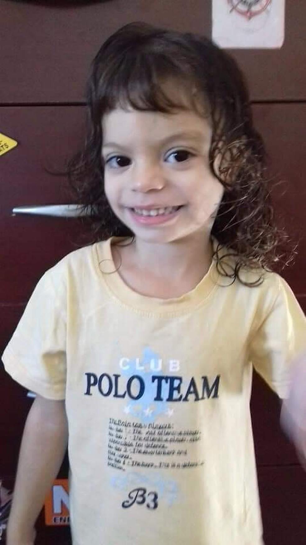 Giovana Guedes Martins, de 4 anos, teve uma parada cardiorrespiratória e não resistiu — Foto: Arquivo Pessoal