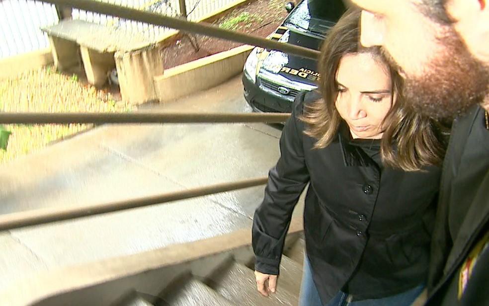 A ex-prefeita de Ribeirão Preto, Dárcy Vera, foi presa e levada para o IML (Foto: Reprodução/EPTV)