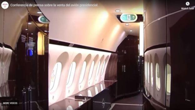 Fotos e vídeos do interior da aeronave foram compartilhados nas redes sociais (Foto: Secretaria da Fazenda e Crédito Público do México via BBC)
