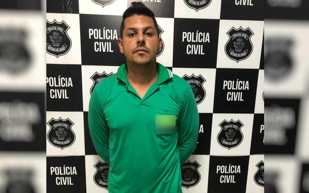 Homem é preso suspeito de criar  perfis falsos na web anunciando a ex como garota de programa, em Itumbiara Goiás — Foto: Polícia Civil/Divulgação