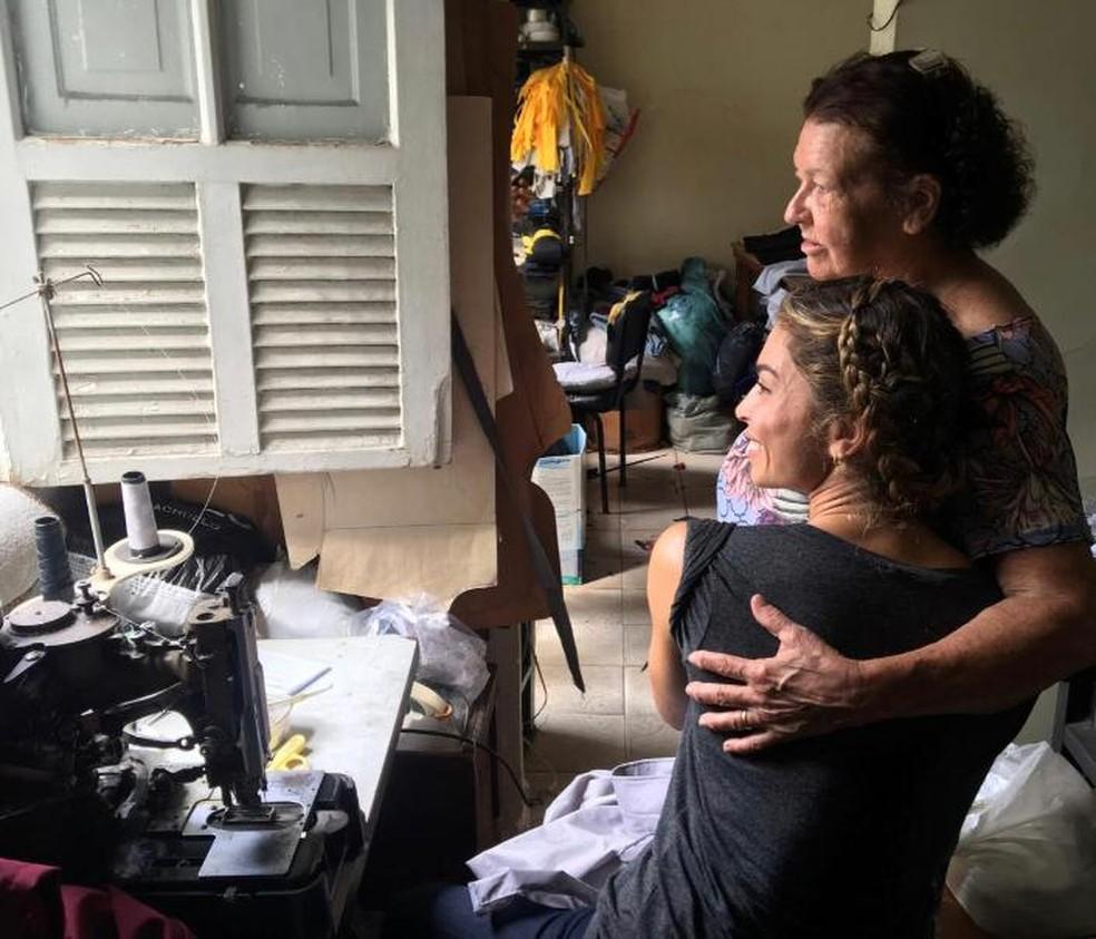 Grazi Massafera conheceu de perto a rotina de uma costureira para viver a sua personagem, Paloma, em 'Bom Sucesso' — Foto: Arquivo pessoal