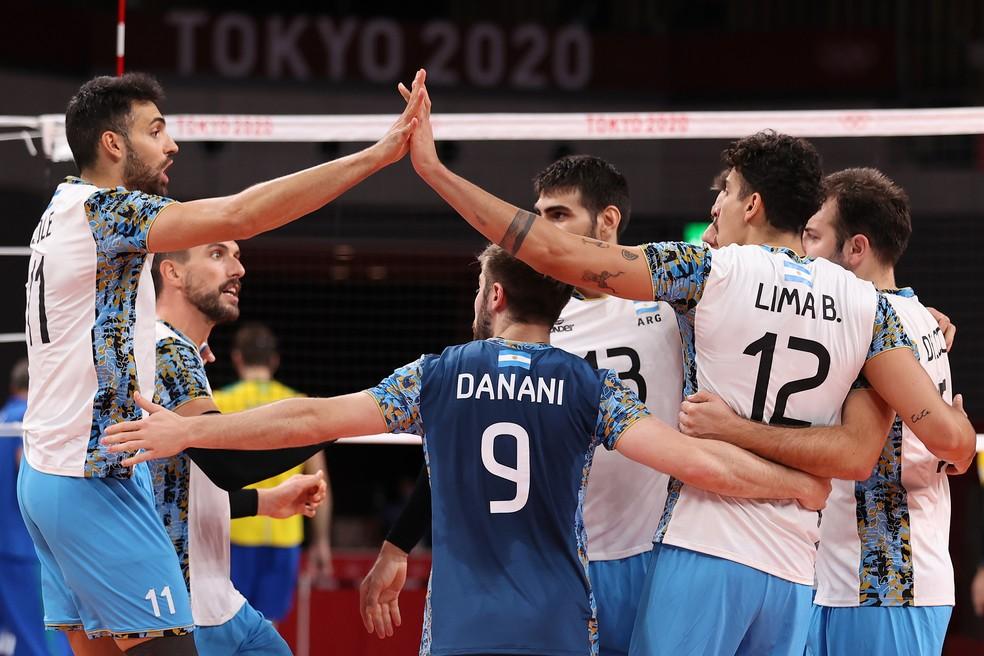 Brasil x Argentina disputa do bronze no vôlei masculino — Foto: Toru Hanai/Getty Images