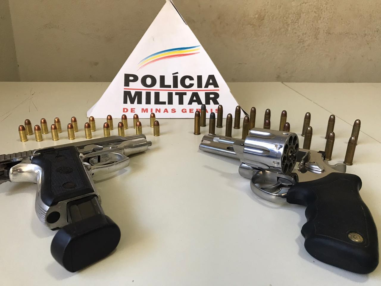 Armas e munição são apreendidas durante operação conjunta da polícia em Uberaba