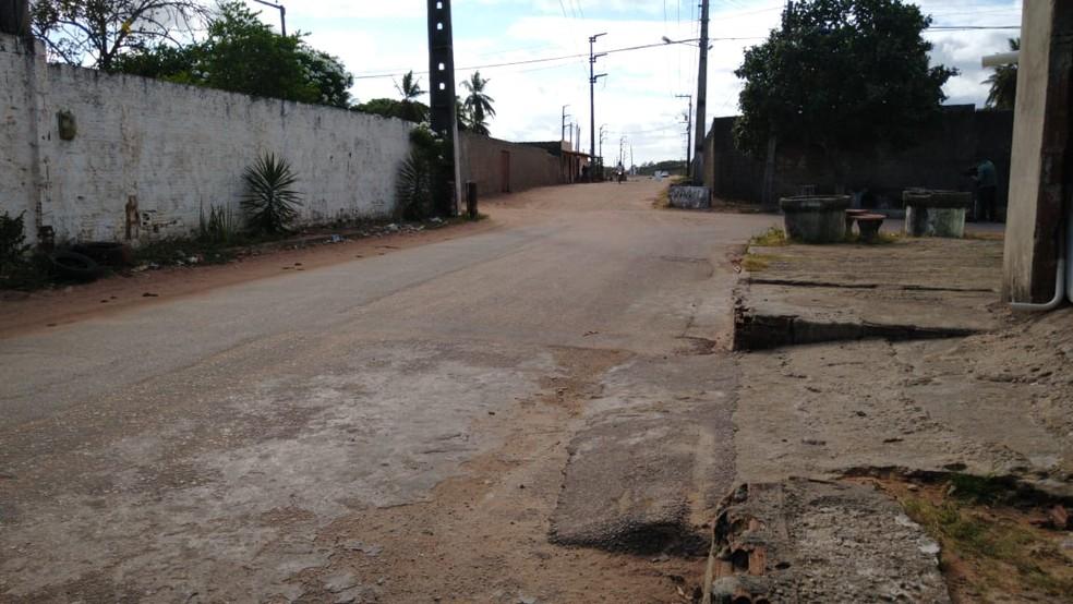 Assalto a garis aconteceu na Avenida das Seringueiras, na Zona Norte de Natal — Foto: Oscar Xavier/Inter TV Cabugi