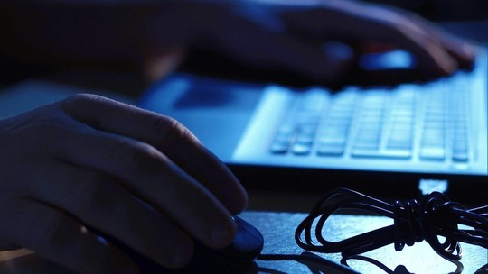 Bandidos roubam dados de cartões de crédito e senhas para fazer compras